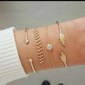 🎈3 for $20🎈4pc bracelet set
